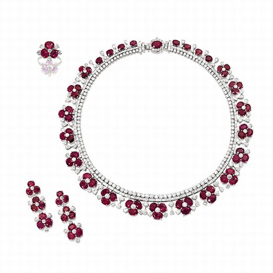 红宝石配钻石珠宝套装