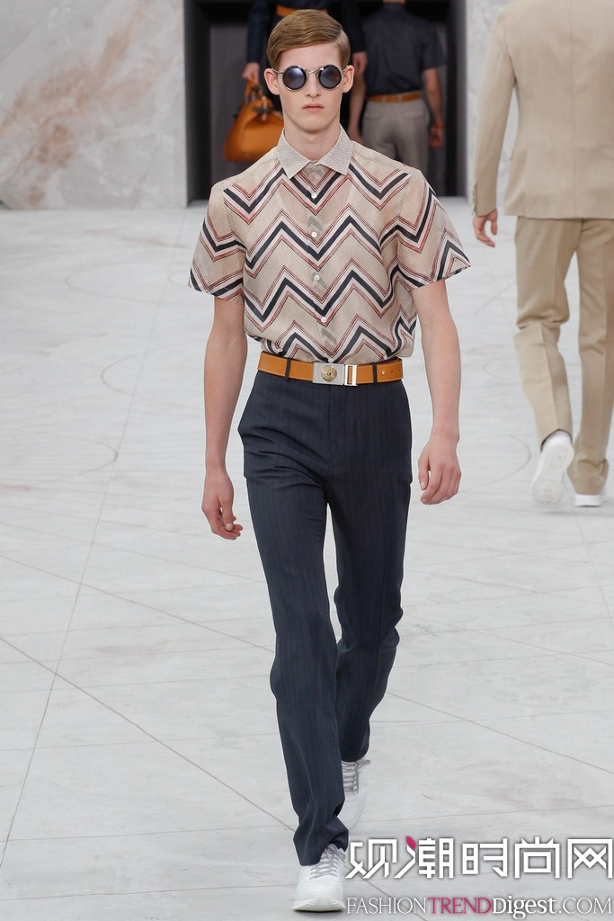 Louis Vuitton 2015春夏巴黎男装周秀场高清图片