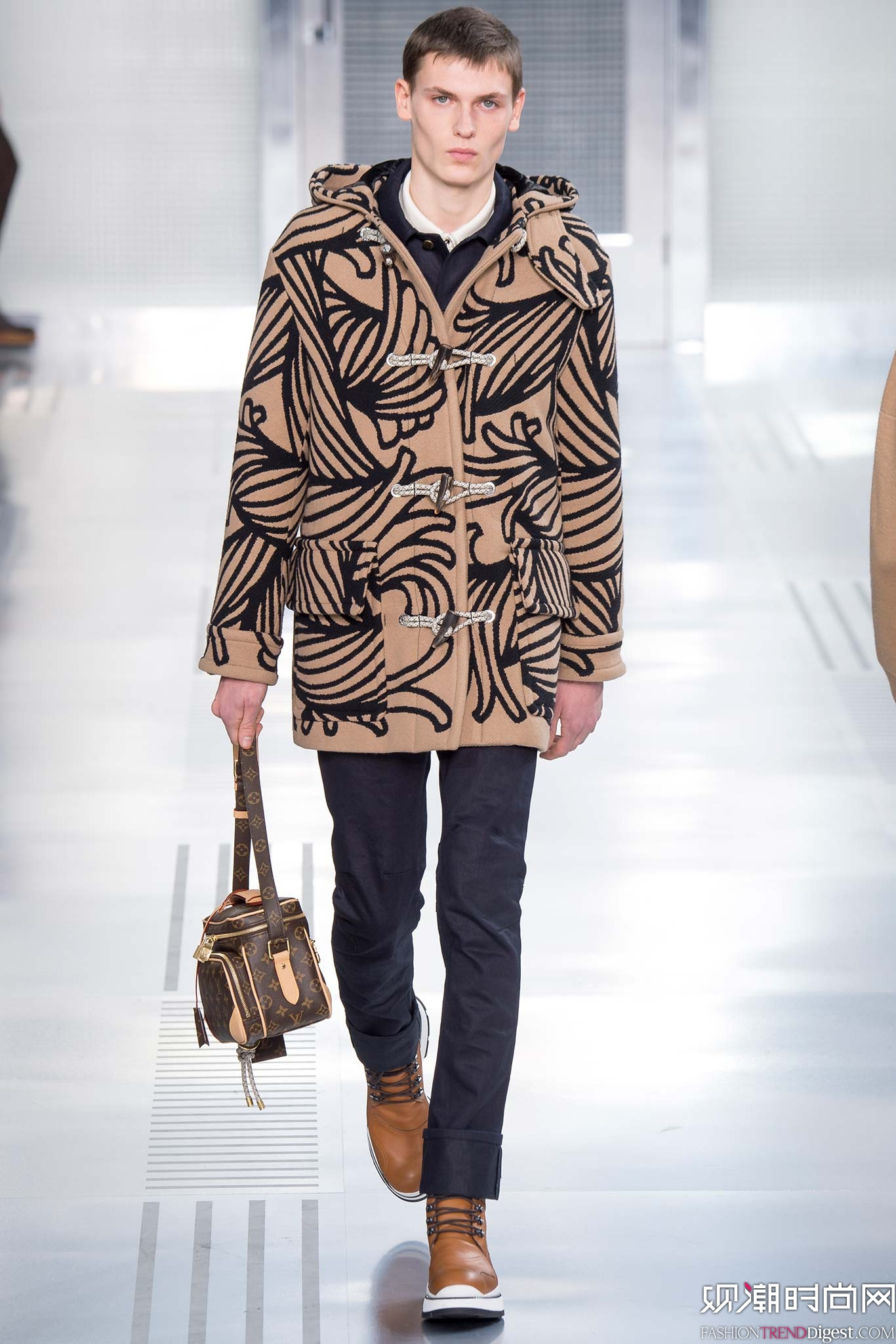 Louis Vuitton 2015秋冬男装系列秀场高清图片