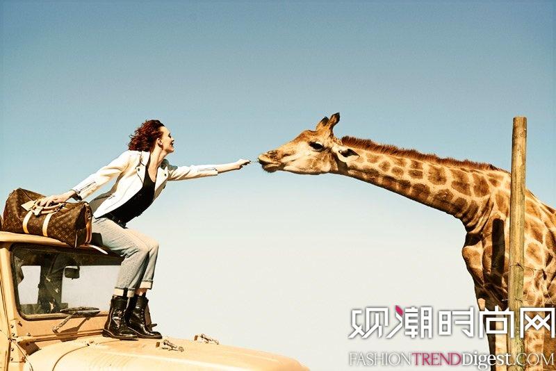 Karen Elson携手Edie Campbell拍摄Louis Vuitton非洲风情大片高清图片