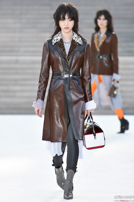 Louis Vuitton 2018早春度假系列秀场高清图片