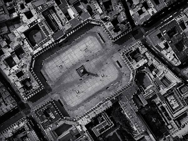 巴黎芳登广场俯视图图片