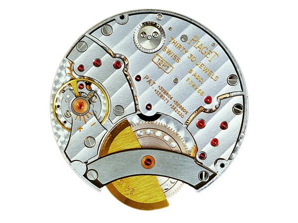 细心观察时就能发现,哪怕是空无一物(当然要有指针和时标)的光洁表盘图片