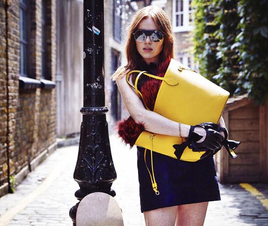 Louis Vuitton 邀请IT Girl Angela Scanlon代言最新 Neverfull 系列手袋高清图片