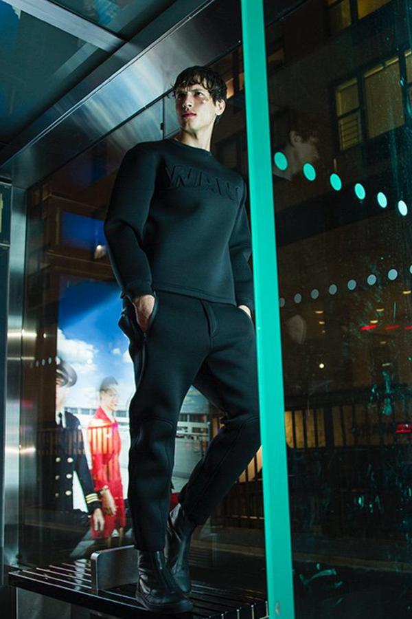 性感男神Adrian Cardoso演绎Alexander Wang for H&M最新广告大片