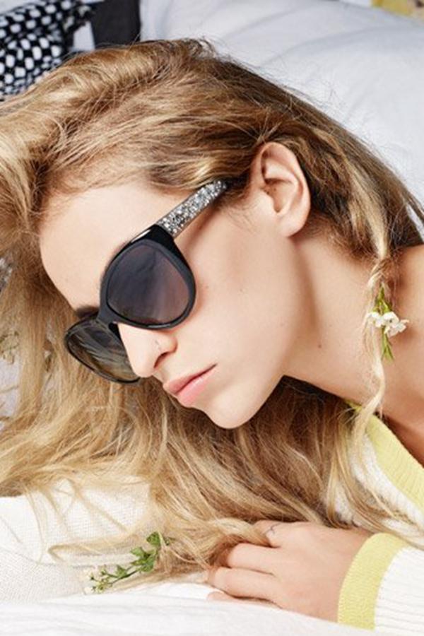 Alice Dellal代言Chanel2014春季眼镜广告