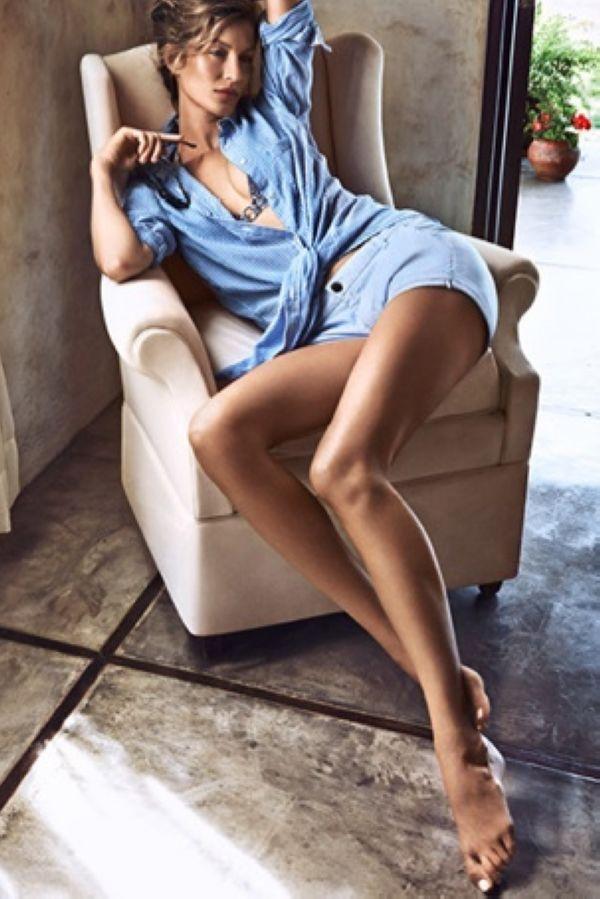 Gisele Bundchen演绎H&M夏日轻松随性的时髦感