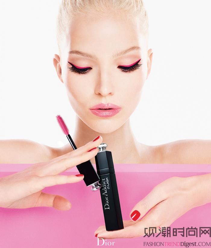 """Sasha Luss 代言Dior Addict """"It-Lash"""" 睫毛膏广告高清图片"""