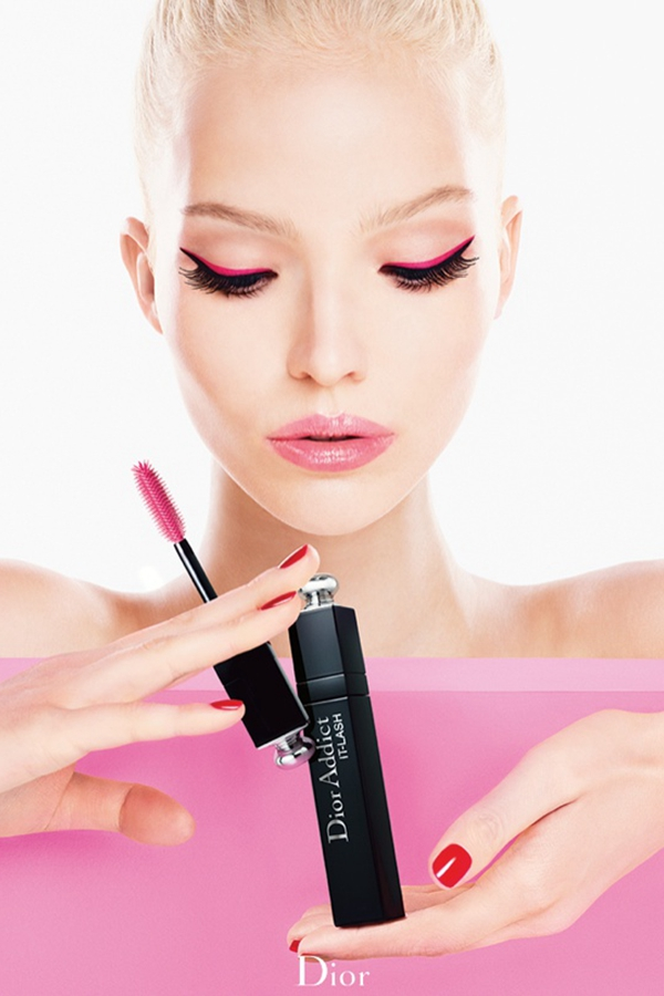 "Sasha Luss 代言Dior Addict ""It-Lash"" 睫毛膏广告"