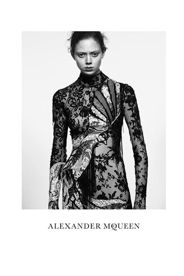 Alexander McQueen 2016春夏系列广告