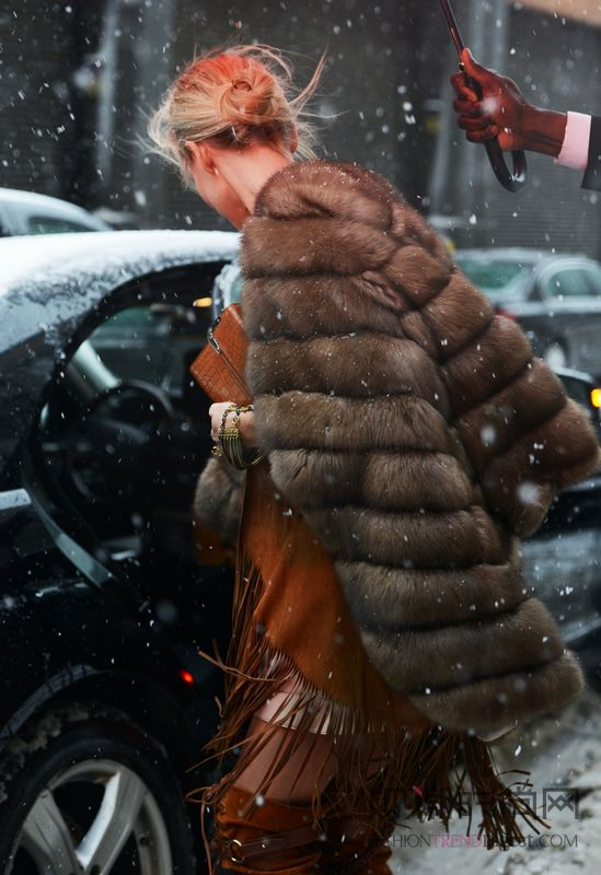 皮草大衣亦有万种风情