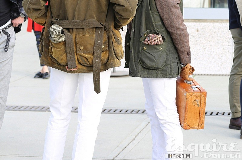 穿正装搭什么包?