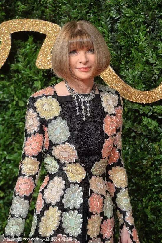 英国时尚大奖,Gaga红裙,...