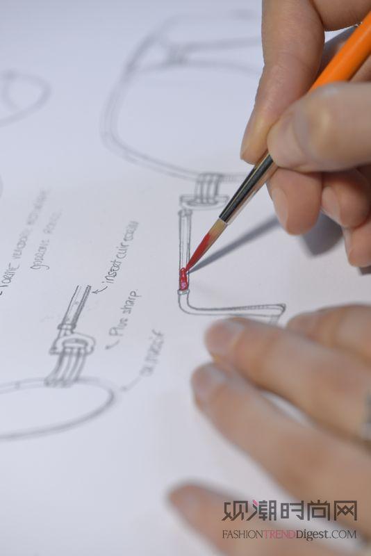 手绘设计草图是眼镜制作的起点