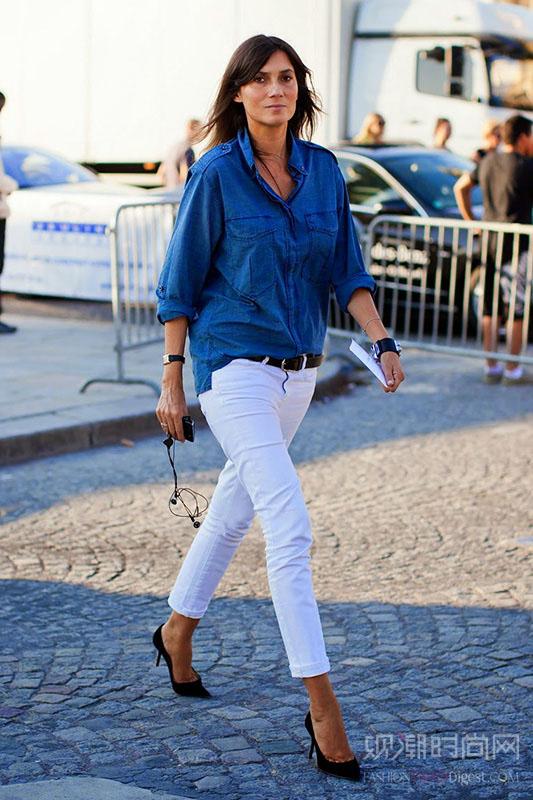 白色牛仔裤怎么搭 让街拍达人为你解答