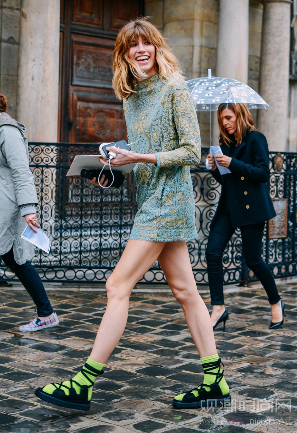 罗马鞋一字鞋都弱爆了,绑带鞋...