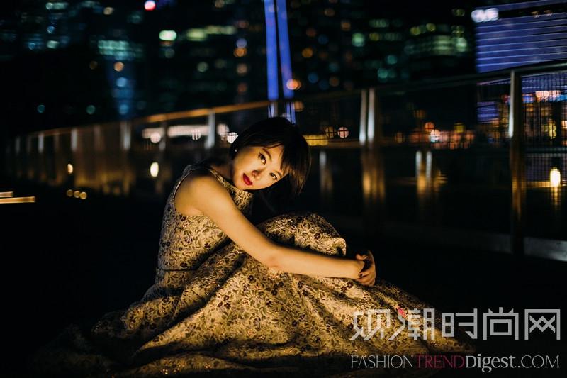 红毯星光 著名演员黄璐新加...