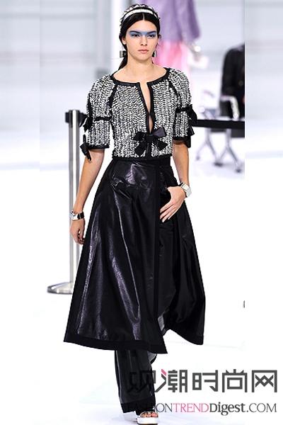 肯达尔詹娜在2016品牌秀场...