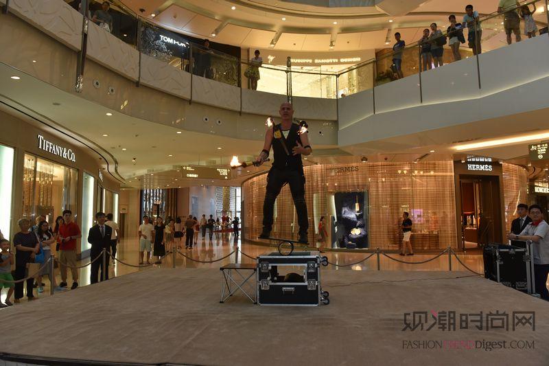 上海ifc商场 星级谐趣杂技秀