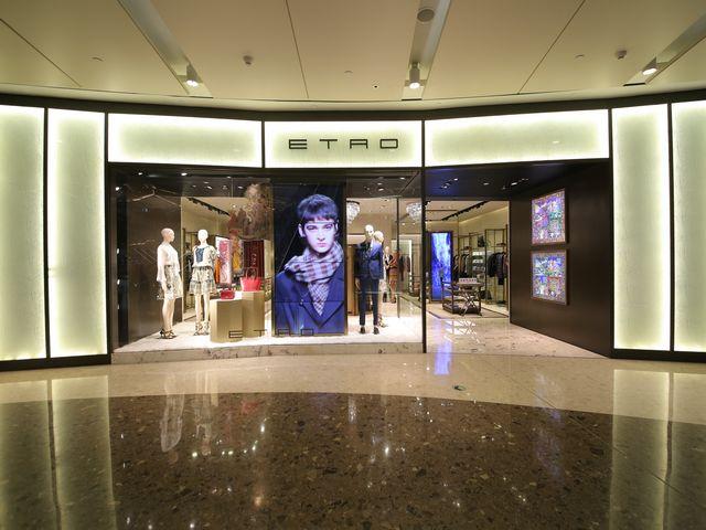 上海ifc商场 汇聚全球顶级女装 缔造极致优雅典范