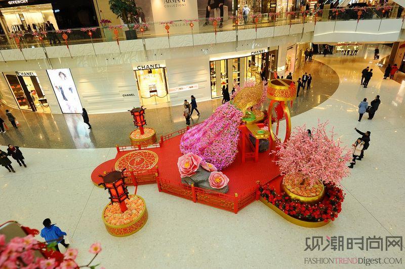 上海ifc商场 鸿运贱孔雀...