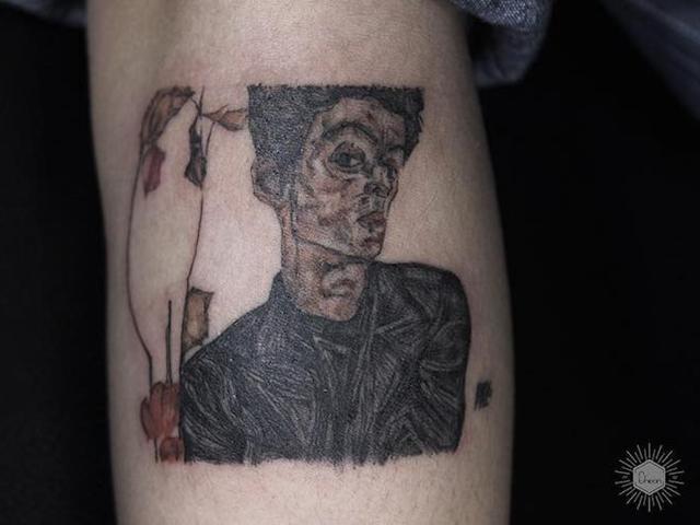 这样的纹身你见过?除了纹身他更是来自博物馆的活艺术史课堂