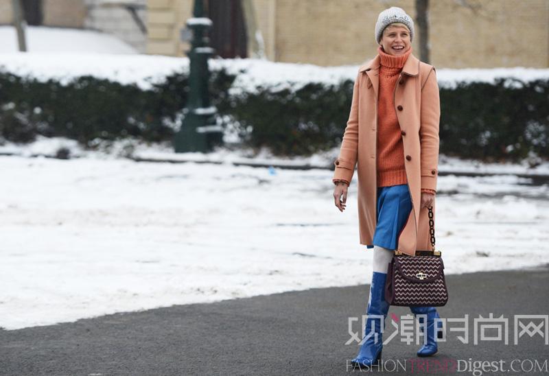 冬季内搭少不了裙装,好穿又提气色