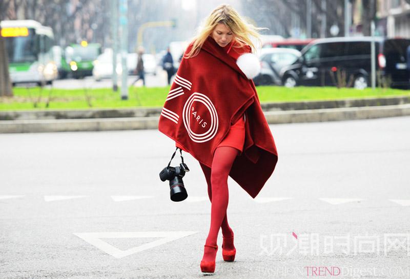 让时尚小红鞋为你的浪漫春天注...