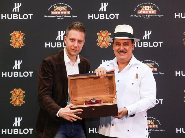 宇舶表推出全新经典融合富恩特限量腕表 致敬百年雪茄品牌阿图罗•富恩特无与伦比的匠心传承