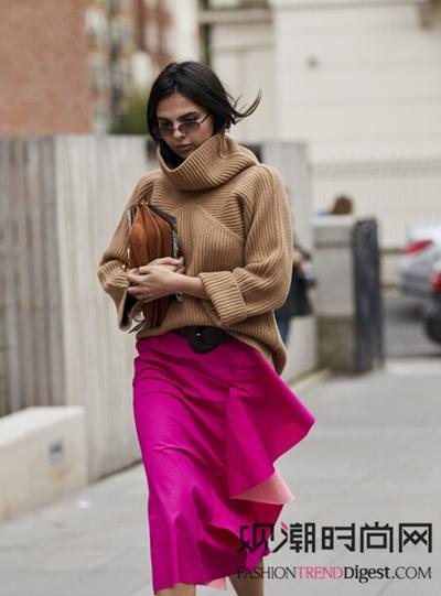 毛衣+半裙你都有,但是最IN的方法在这里