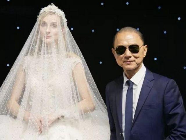在他看来 唯美好和坚持不可辜负――专访Jimmy Choo先生
