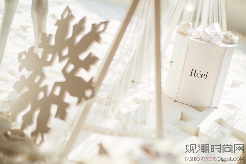 上海芮欧百货点亮星璨圣诞,黑...