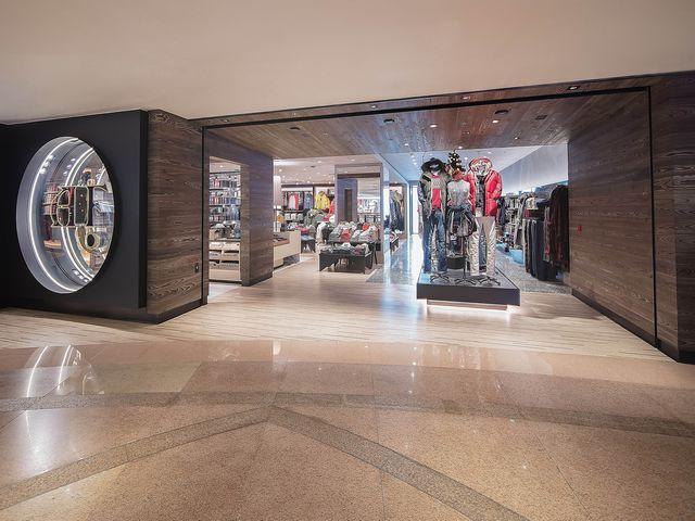 ABERCROMBIE & FITCH于香港开设全新概念店 位于海港城的全新概念店于12月1日正式开幕