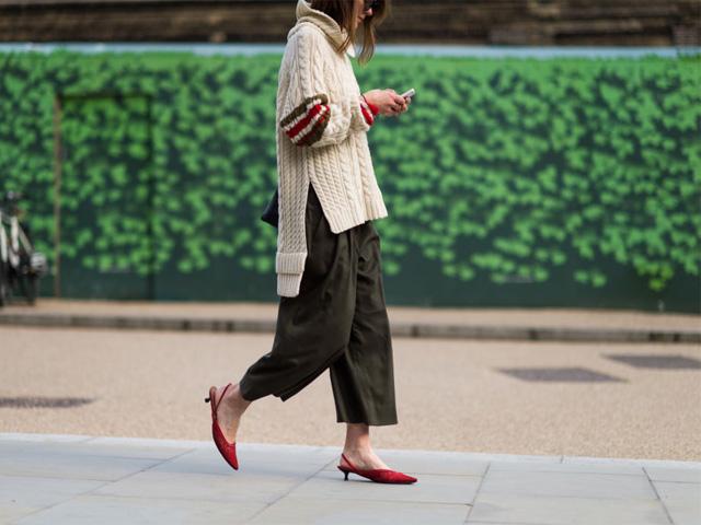 用一件毛衣轻松搞定春季时髦搭配