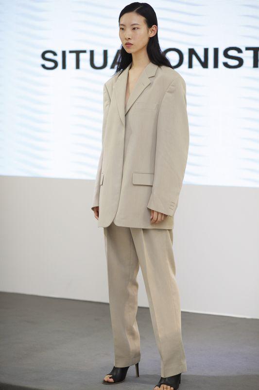 时尚与商业的精彩碰撞 WHI...