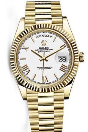 如何看起来很有钱 带一块贵金属表吧