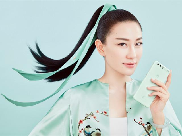 """时尚与科技的惊艳跨界  设计师兰玉推出高定艺术版HUAWEI手机―""""玉"""""""