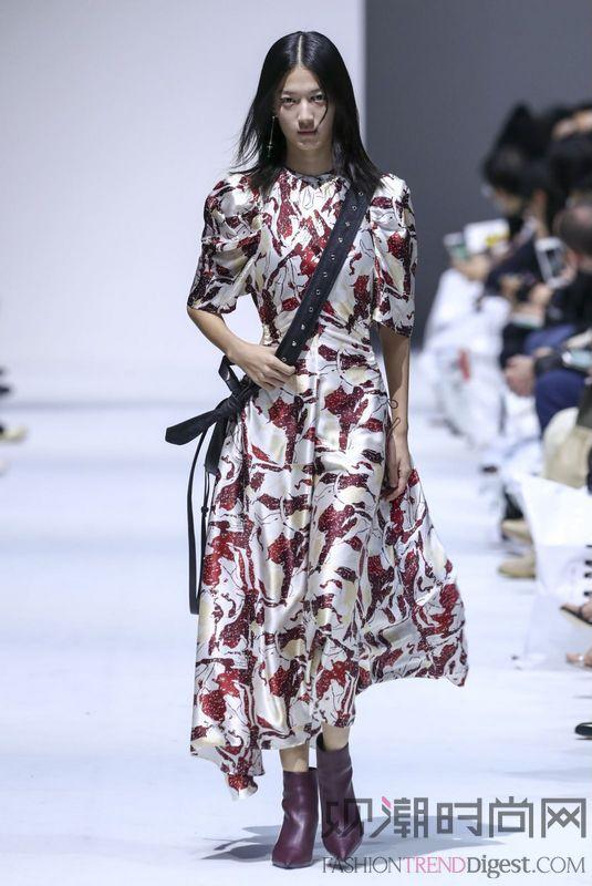 IMMI 首次亮相上海时装周...
