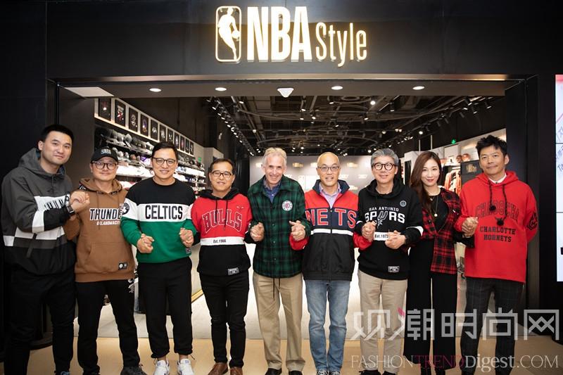NBA潮流服装店推出全新NB...