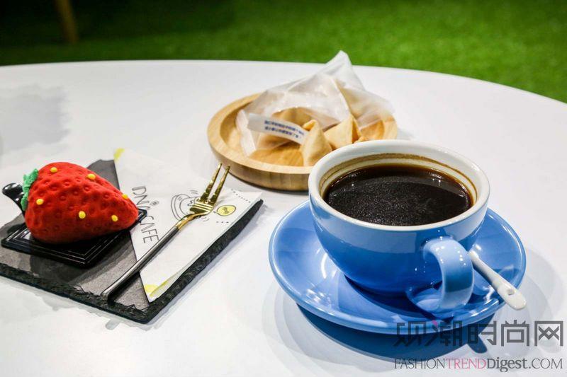 一杯咖啡的时光,让感动浮上心...