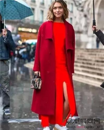 大衣+裙子!这些时髦搭配你g...