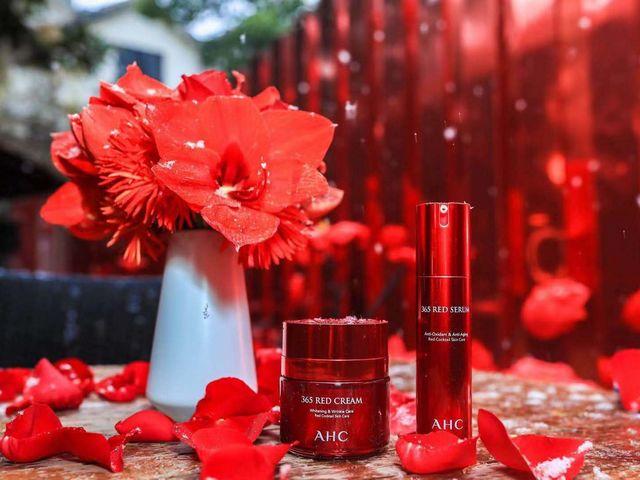 年轻不掺水,青春正当红 花漾年华——AHC 365 RED新品鉴赏会沪上花园洋房红妆登场