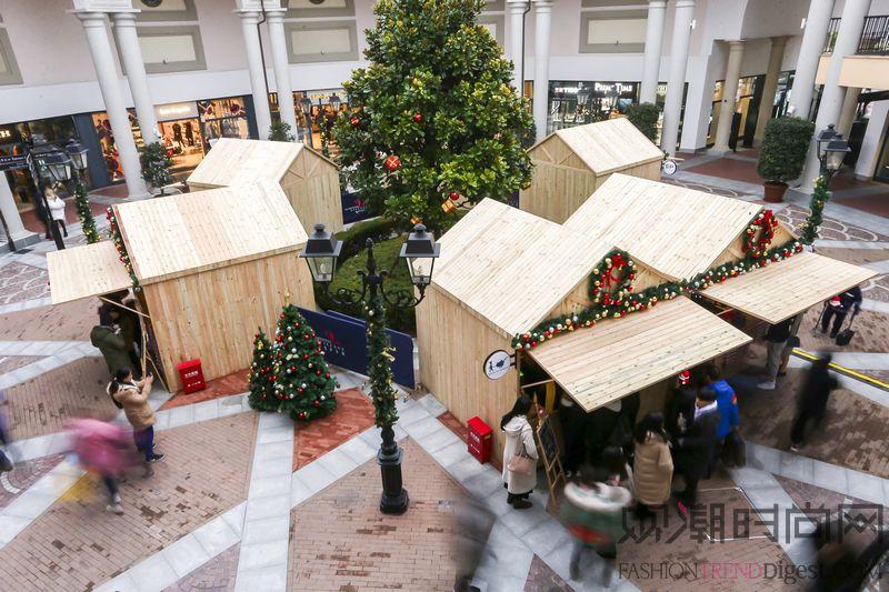 佛罗伦萨小镇点亮时髦圣诞 缤...