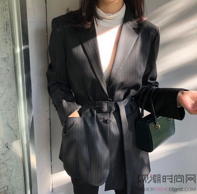 """""""高领衫是冬季百搭单品"""" 相..."""