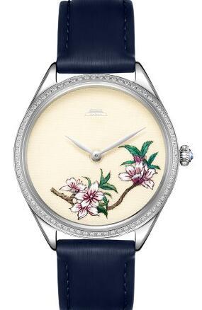 你在屋里取暖 我戴着表在外头赏花
