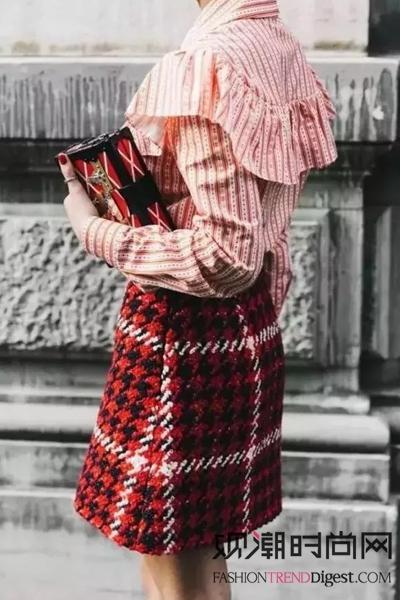 开春新衣!衬衫+半裙魅力不可挡