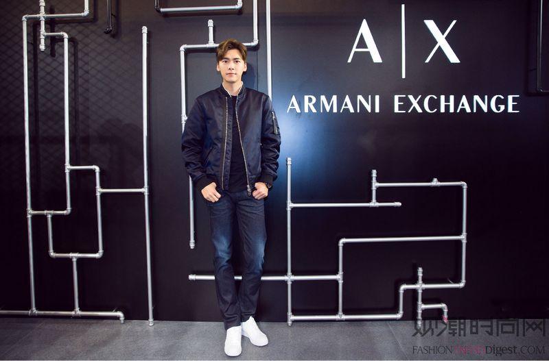 李易峰出席在上海举办的 Ar...