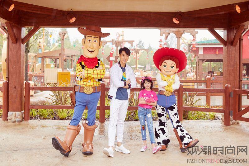 """上海迪士尼度假区举办""""玩具趴..."""