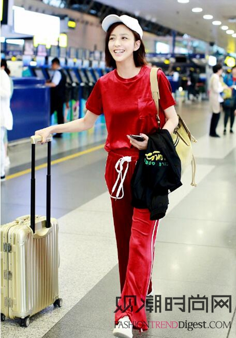 佟丽娅、江疏影等女明星最新机场秀