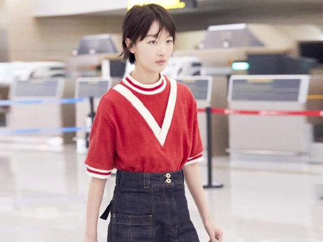 时尚女明星的机场秀,呈现最清新的模样